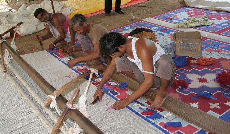 Carpet weavers, near Jaipur, Rajasthan, India.